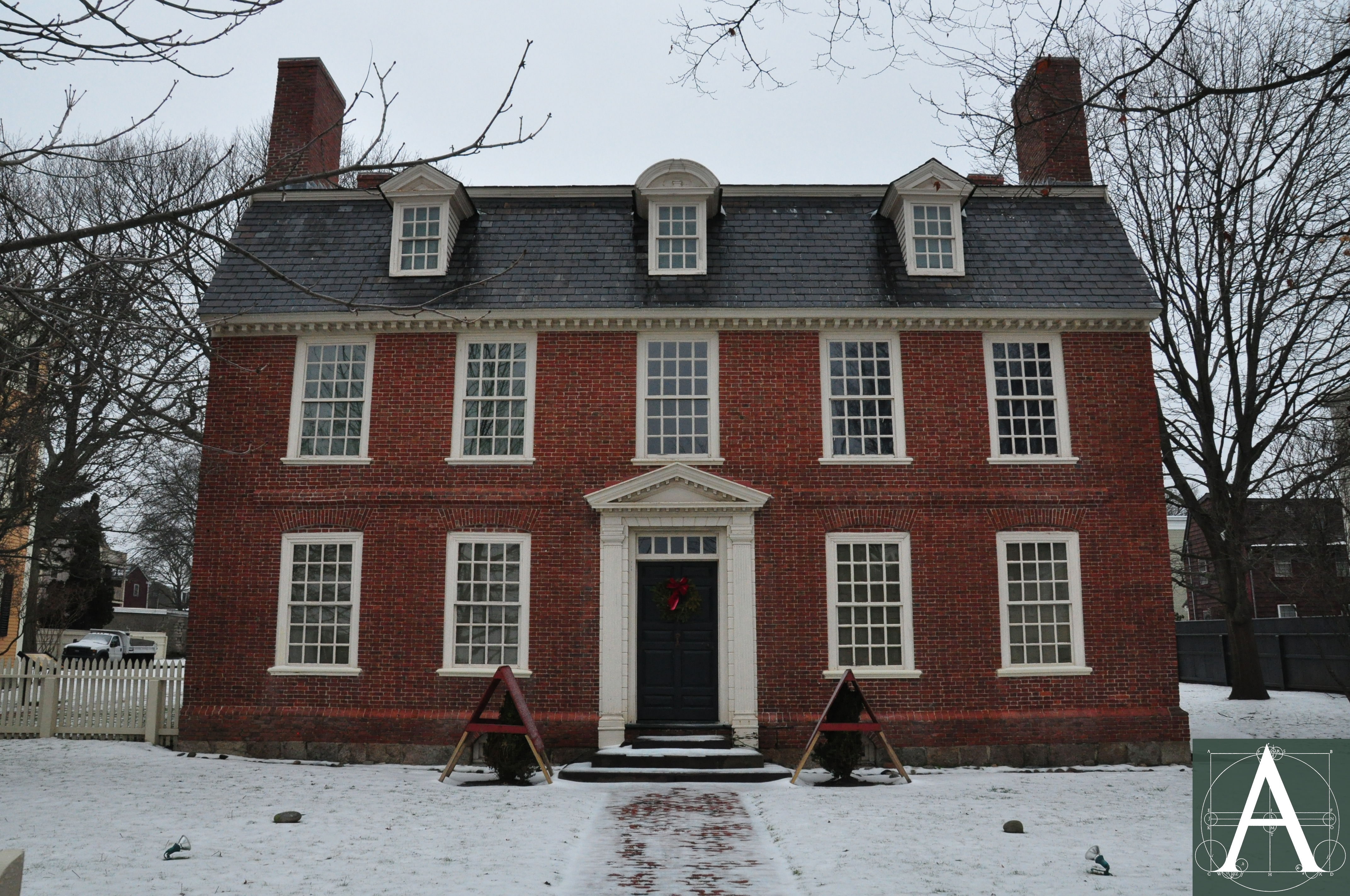 Archipedia new england four centuries of building in new for Salem house